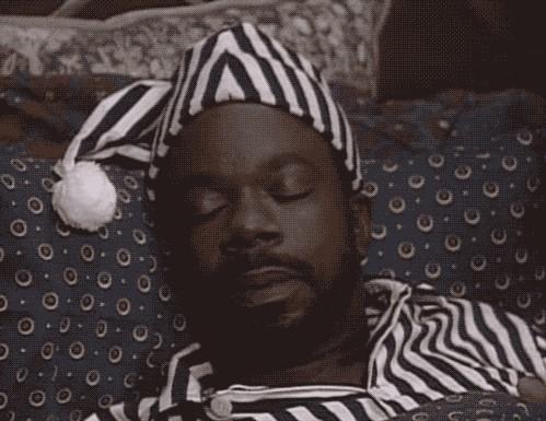 Gif Cuando no te da tiempo en reparar un bug y vas a dormir